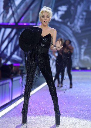 Lady Gaga - 2016 Victoria's Secret Fashion Show in Paris