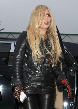Lady Gaga - Arrives at Recording Studio in London