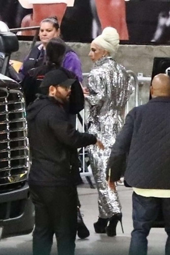 Lady Gaga - Arrives at the Elton John concert in Los Angeles