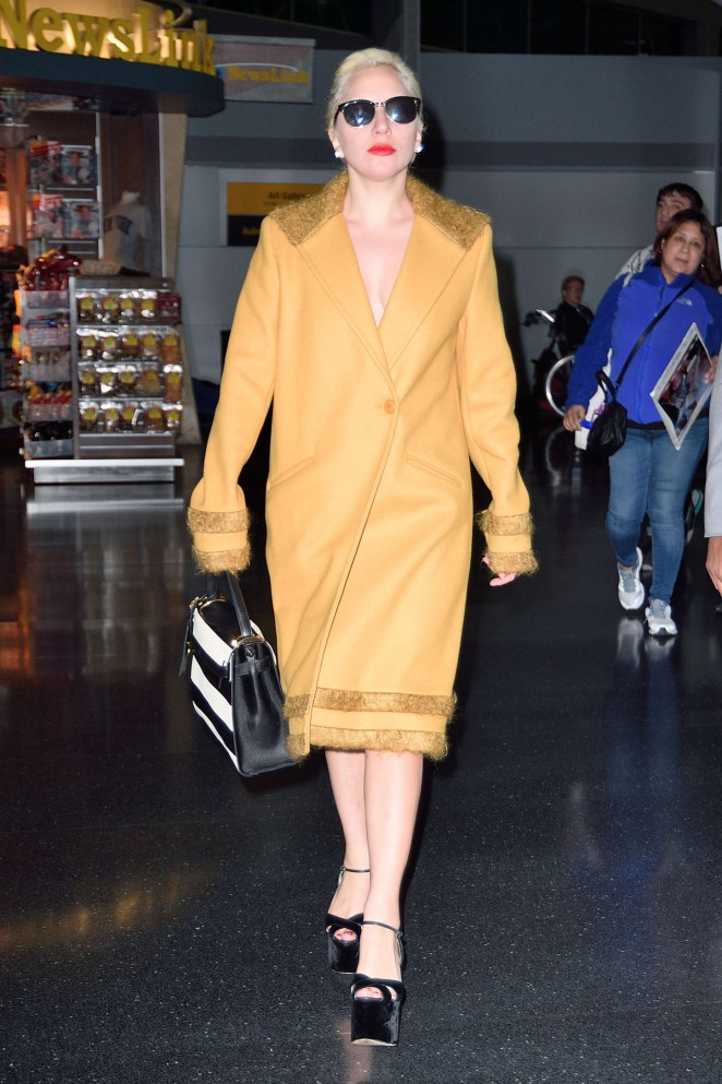 Lady Gaga - Arriving to JFK in NY