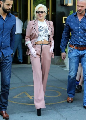 Lady Gaga - Leaves NY Apartman