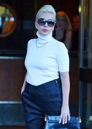 Lady Gaga - Leaving her apartment in Manhattan