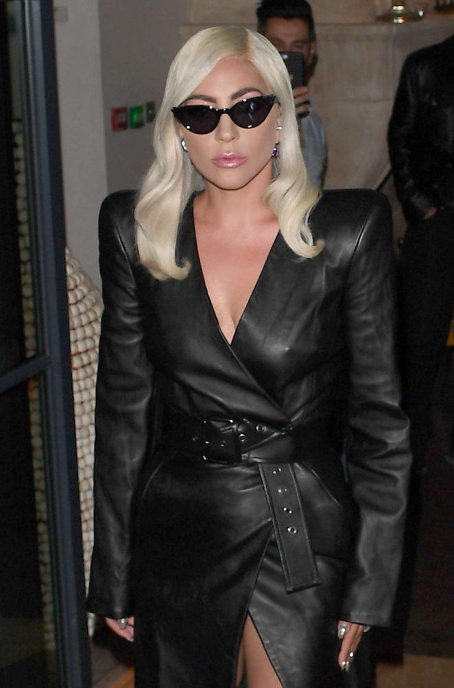 Lady Gaga - Leaving her hotel in London