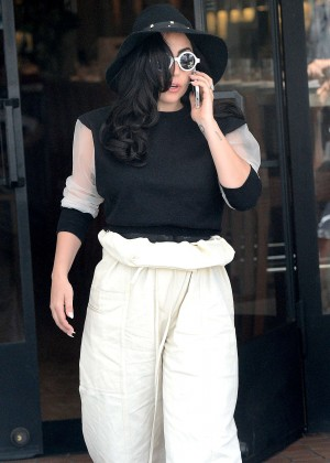 Lady Gaga - Lunch at Fig and Olive in Los Angeles