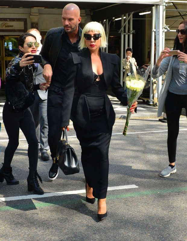 Lady Gaga - Out in New York City