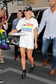 Lady Gaga - Returns to her hotel in New York City