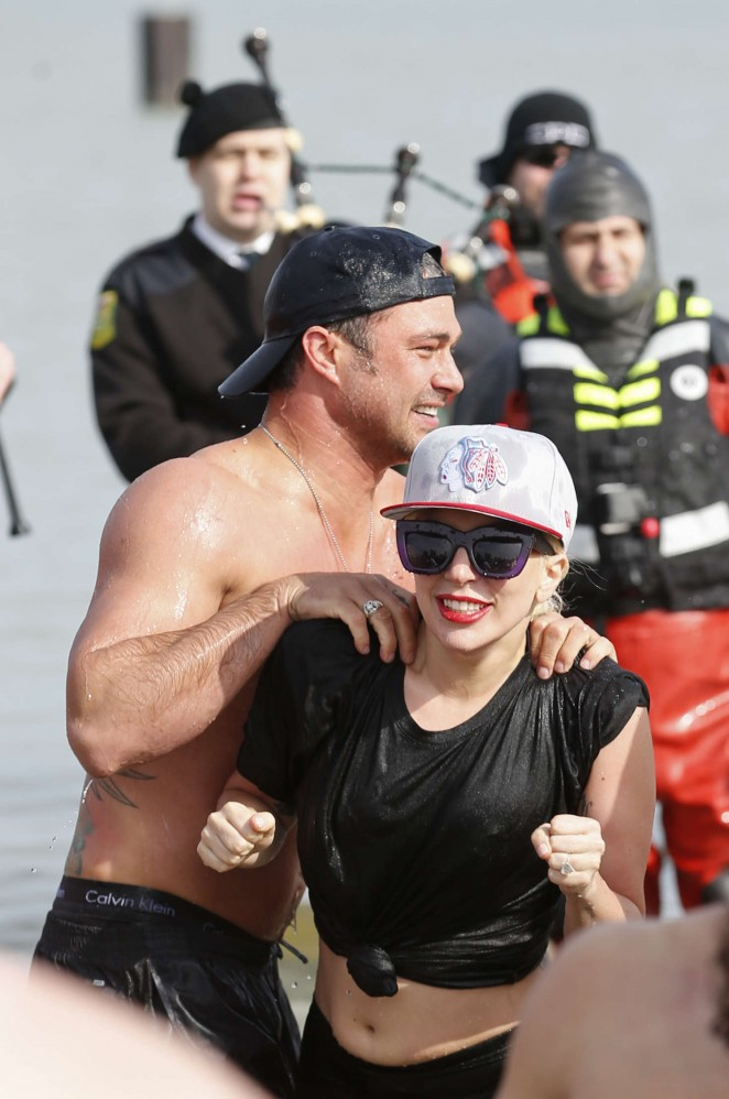 Lady Gaga - Takes the Polar Plunge in the Lake Michigan in Chicago