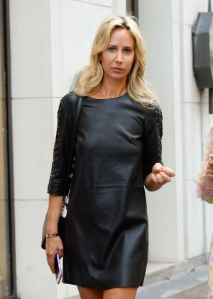 Lady Victoria Hervey - Arrives at Giorgio Armani Fashion Show in Milan