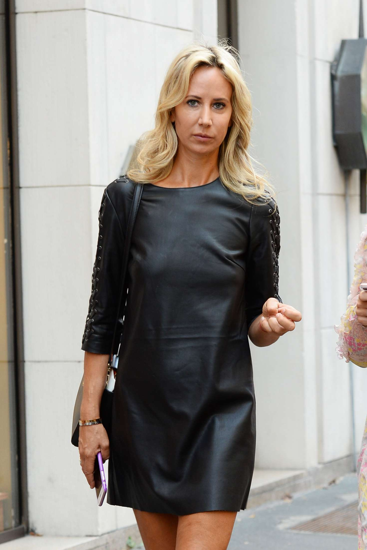Lady Victoria Hervey – Arrives at Giorgio Armani Fashion Show in Milan