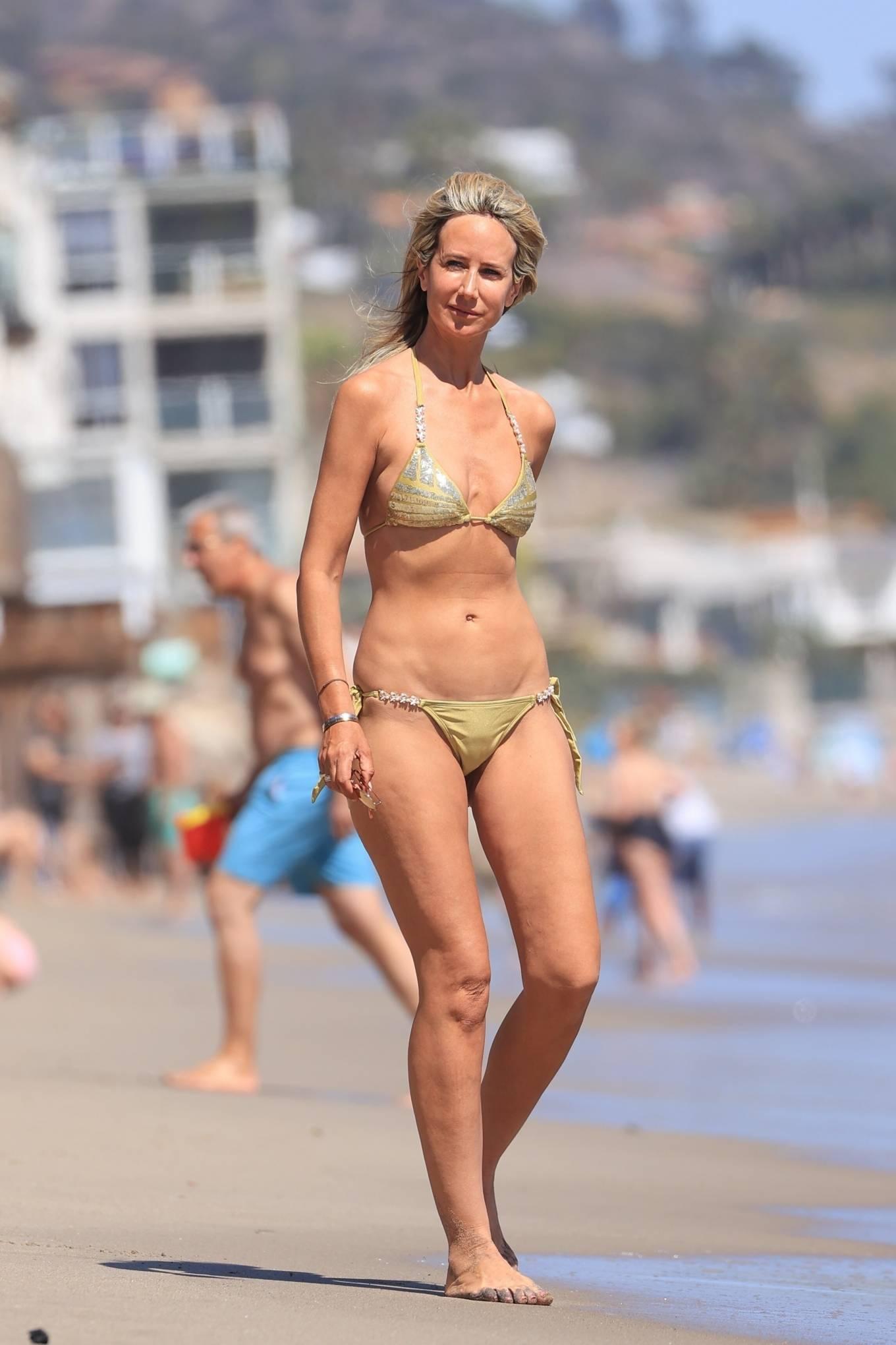 Lady Victoria Hervey 2021 : Lady Victoria Hervey – Bikini candids in Malibu-05