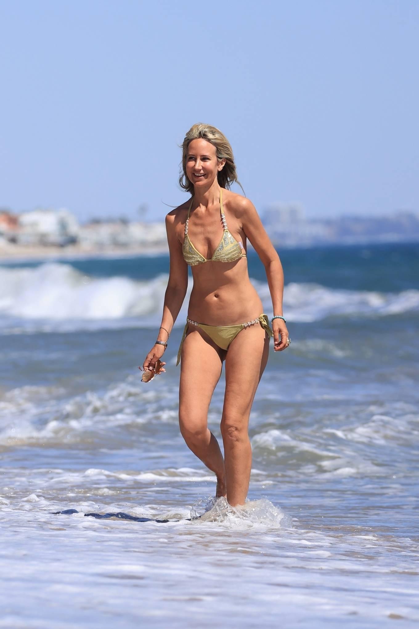 Lady Victoria Hervey 2021 : Lady Victoria Hervey – Bikini candids in Malibu-06