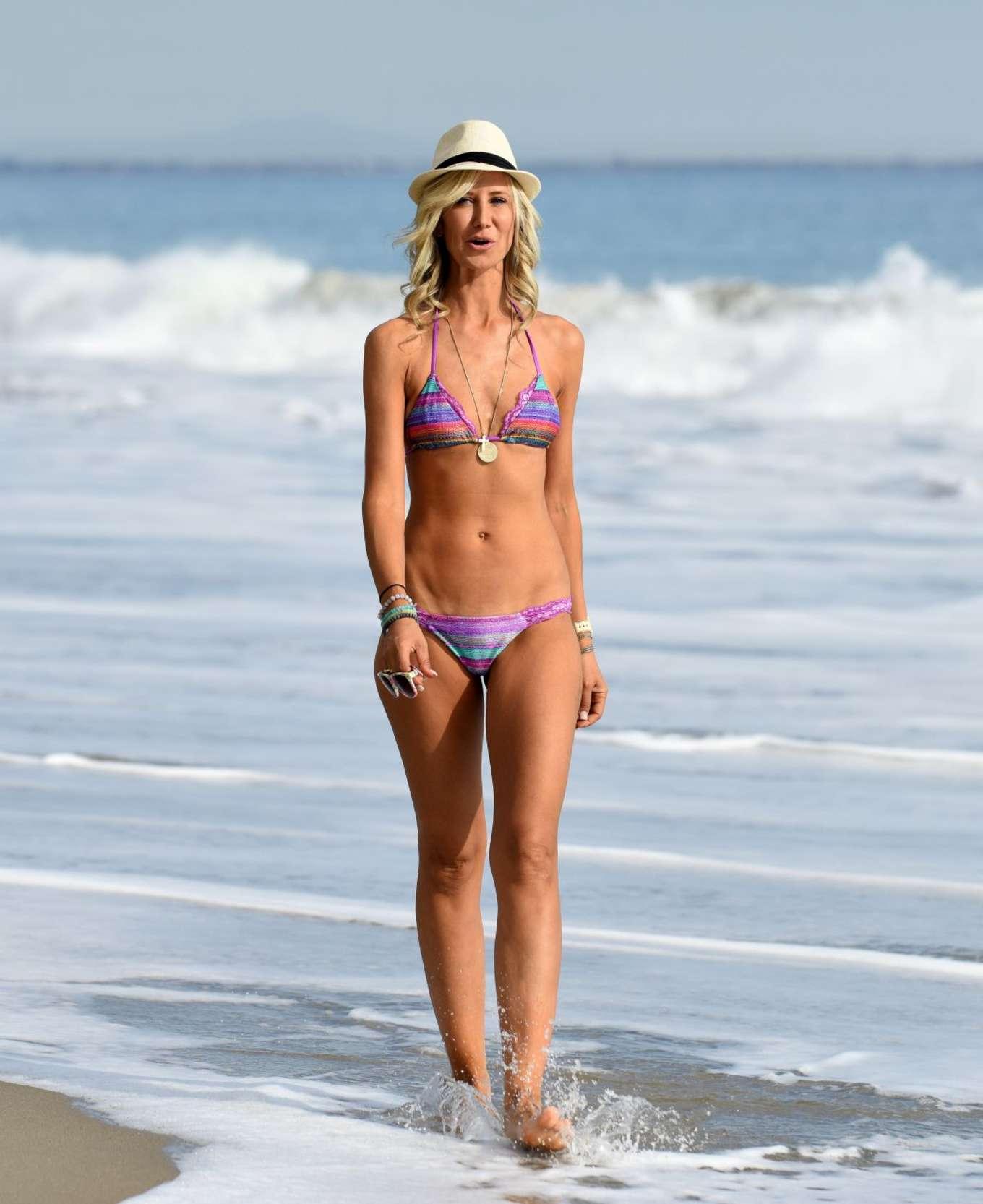 Lady Victoria Hervey 2017 : Lady Victoria Hervey: Bikini Candids -01