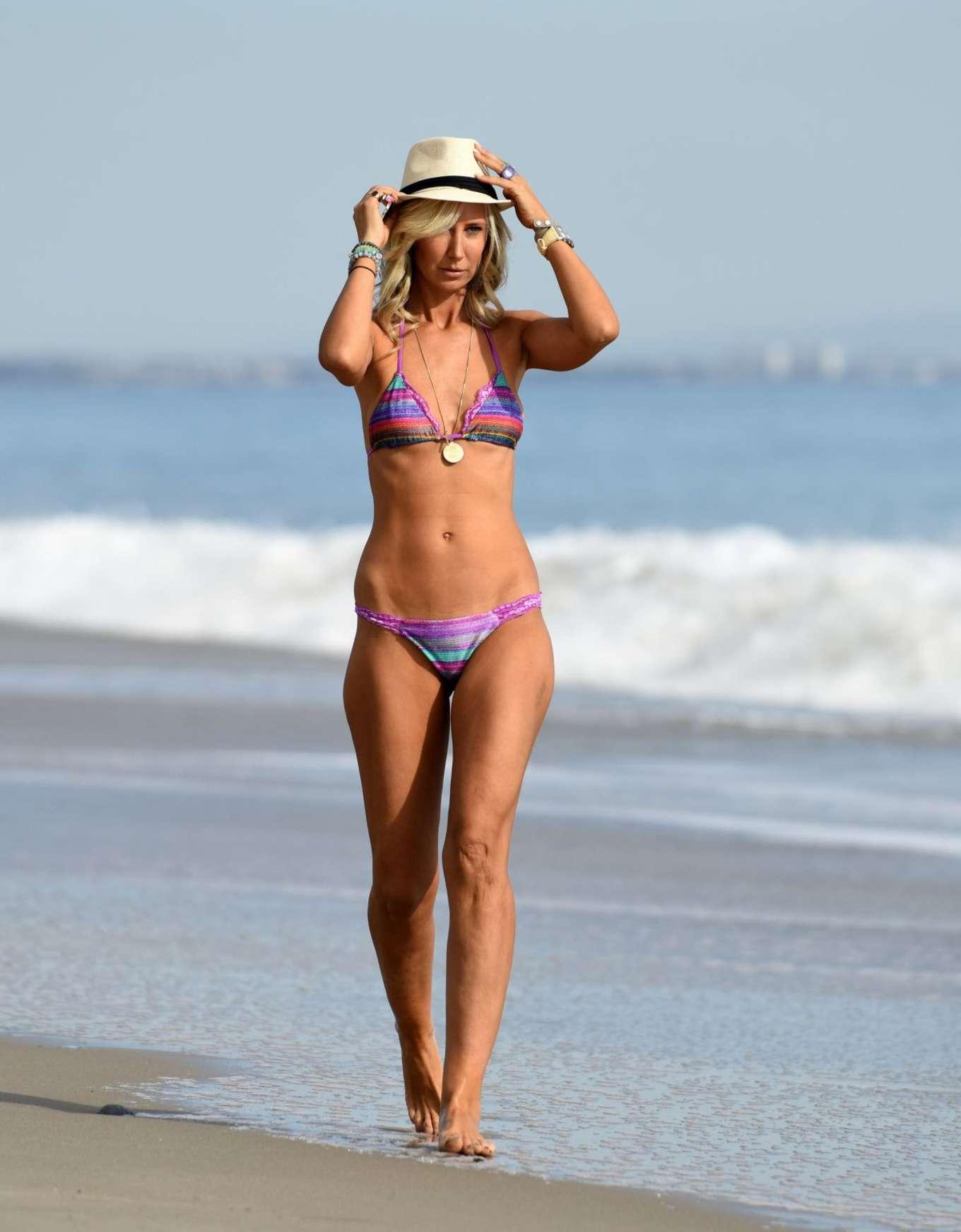 Lady Victoria Hervey 2017 : Lady Victoria Hervey: Bikini Candids -05
