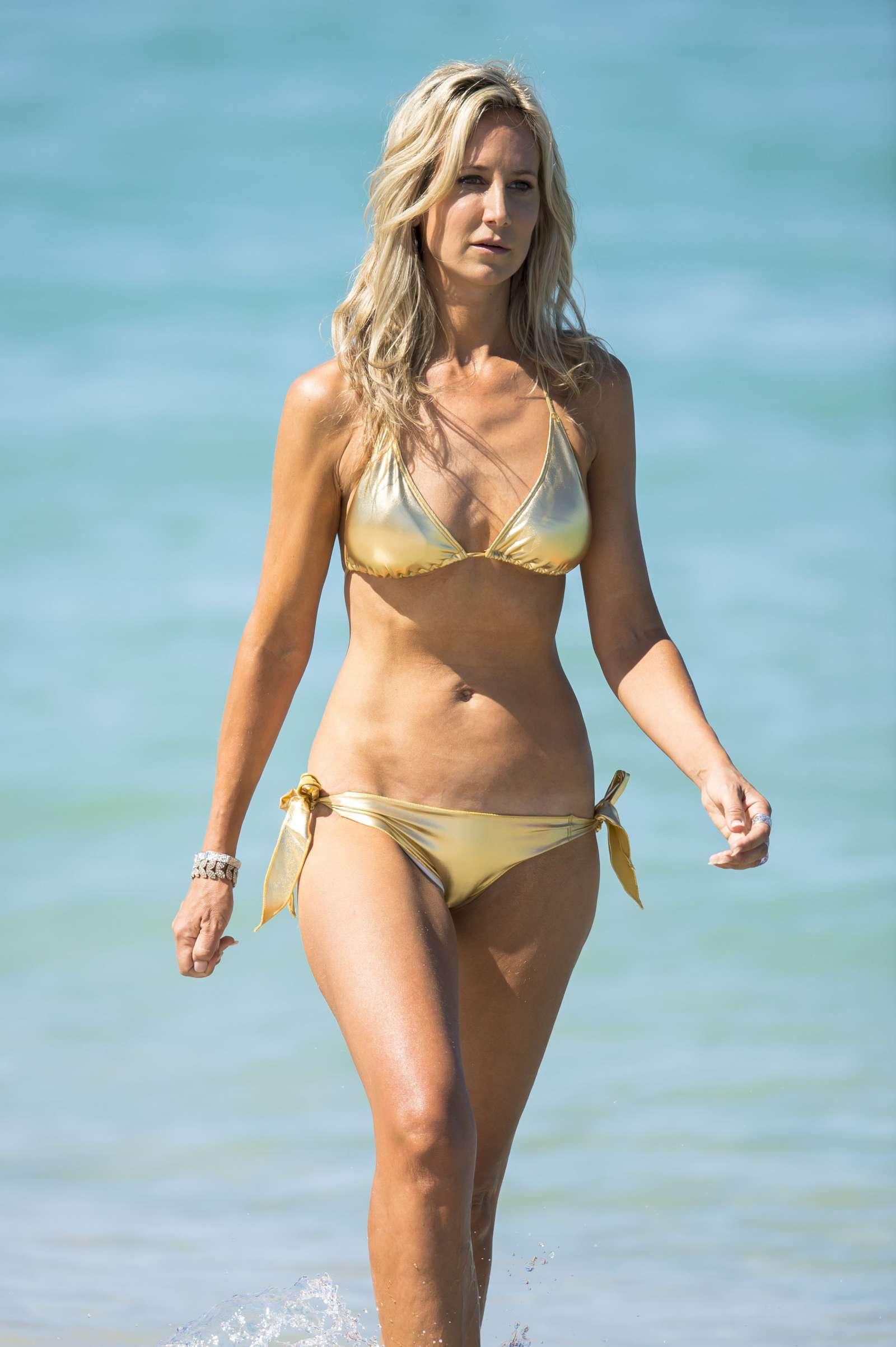 Lady Victoria Hervey in Bikini at the beach in Miami