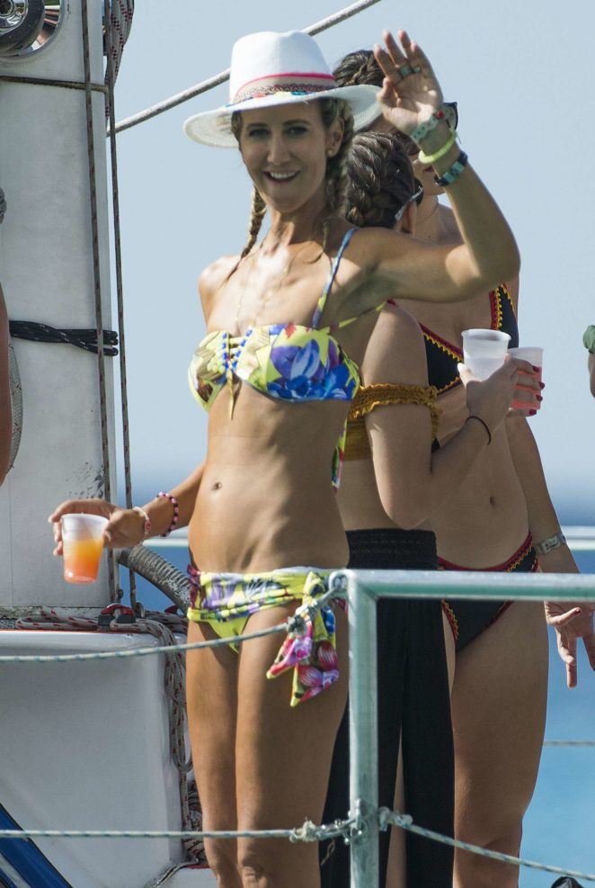 Lady Victoria Hervey in Bikini Boat Party in Barbados Pic 1 of 35