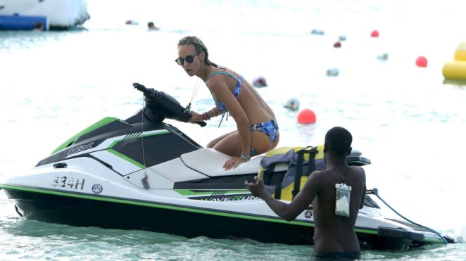 Lady Victoria Hervey 2017 : Lady Victoria Hervey in Bikini 2017 -12
