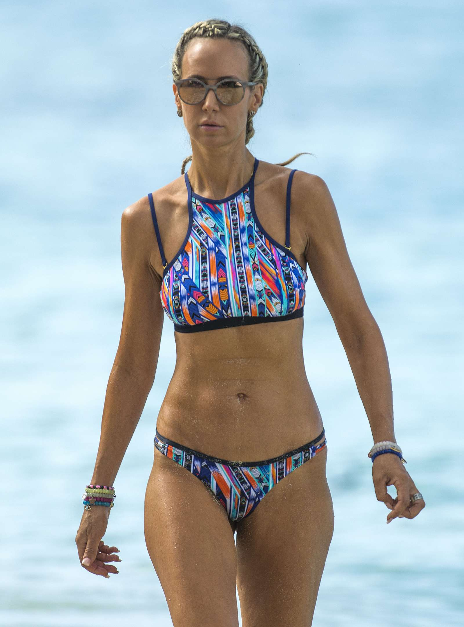Lady Victoria Hervey in Black Bikini on the beach in Barbados Pic 5 of 35