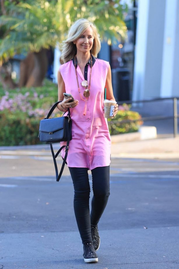 Lady Victoria Hervey - Out in pink at Starbucks in West Hollywood