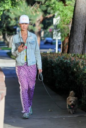 Lady Victoria Hervey - Walk with her dog in West Hollywood