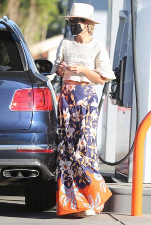 Laeticia Hallyday - Out and about in Los Angeles