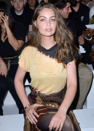Laetitia Casta - Balmain Show SS 2018 in Paris