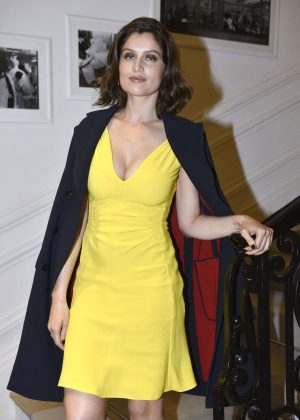 Laetitia Casta - Christian Dior Fashion Show in Paris