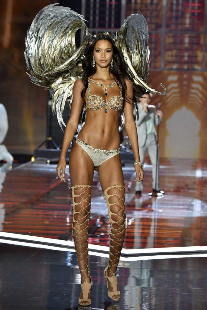 Where To Watch Victoria S Secret Fashion Show  Online