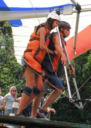 Lais Ribeiro - Enjoys a paragliding flight in Rio de Janeiro