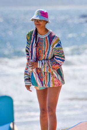 Lais Ribeiro - On the beach in Malibu