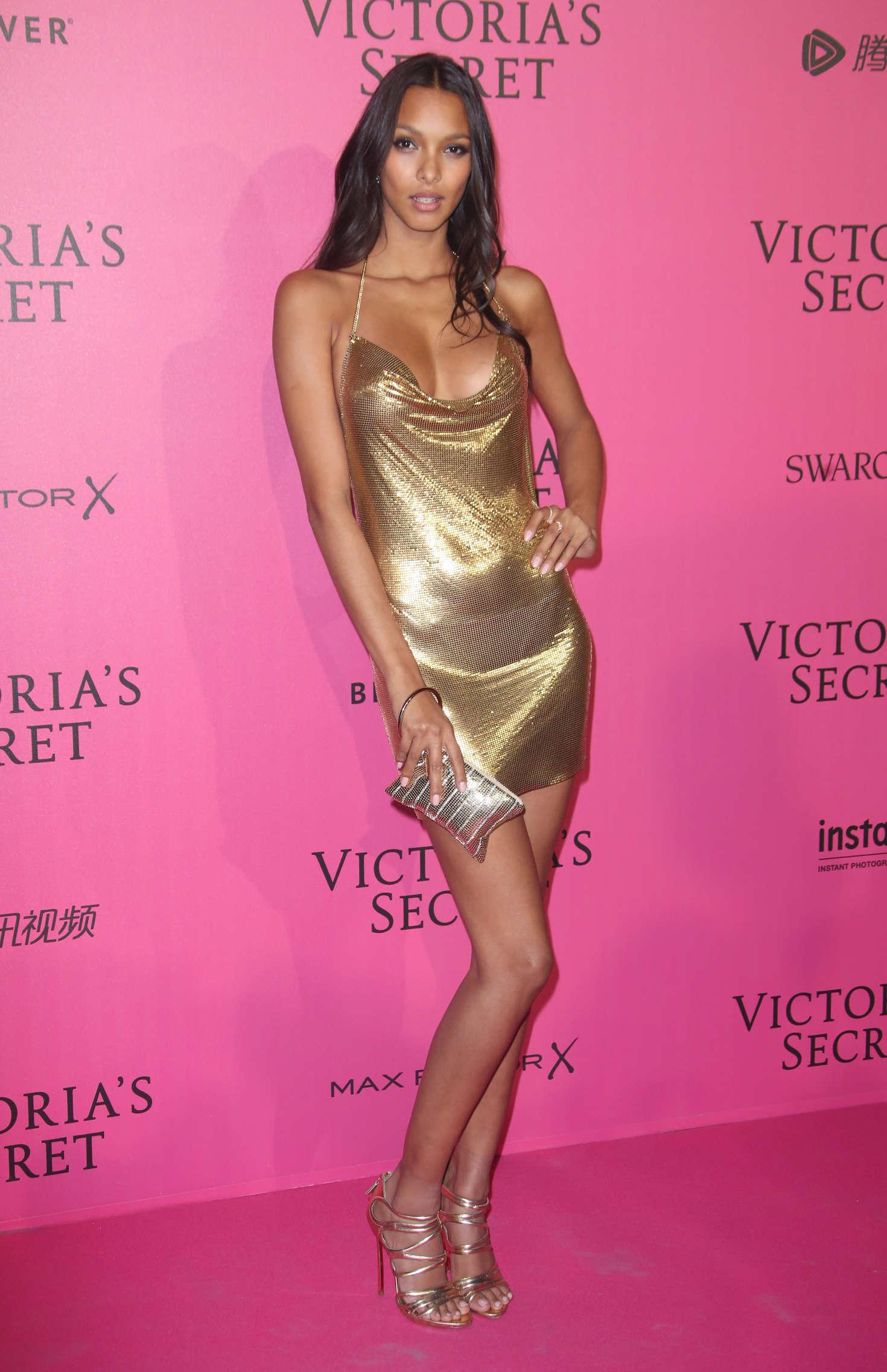 Rihanna Victoria S Secret Fashion Show