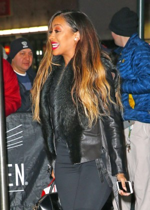 Lala Anthony - Attends the Knicks vs Warriors NBA Game in New York
