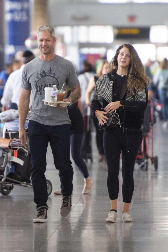 Lana Del Rey and boyfriend Sean Larkin - Arrives at JFK airport in NYC