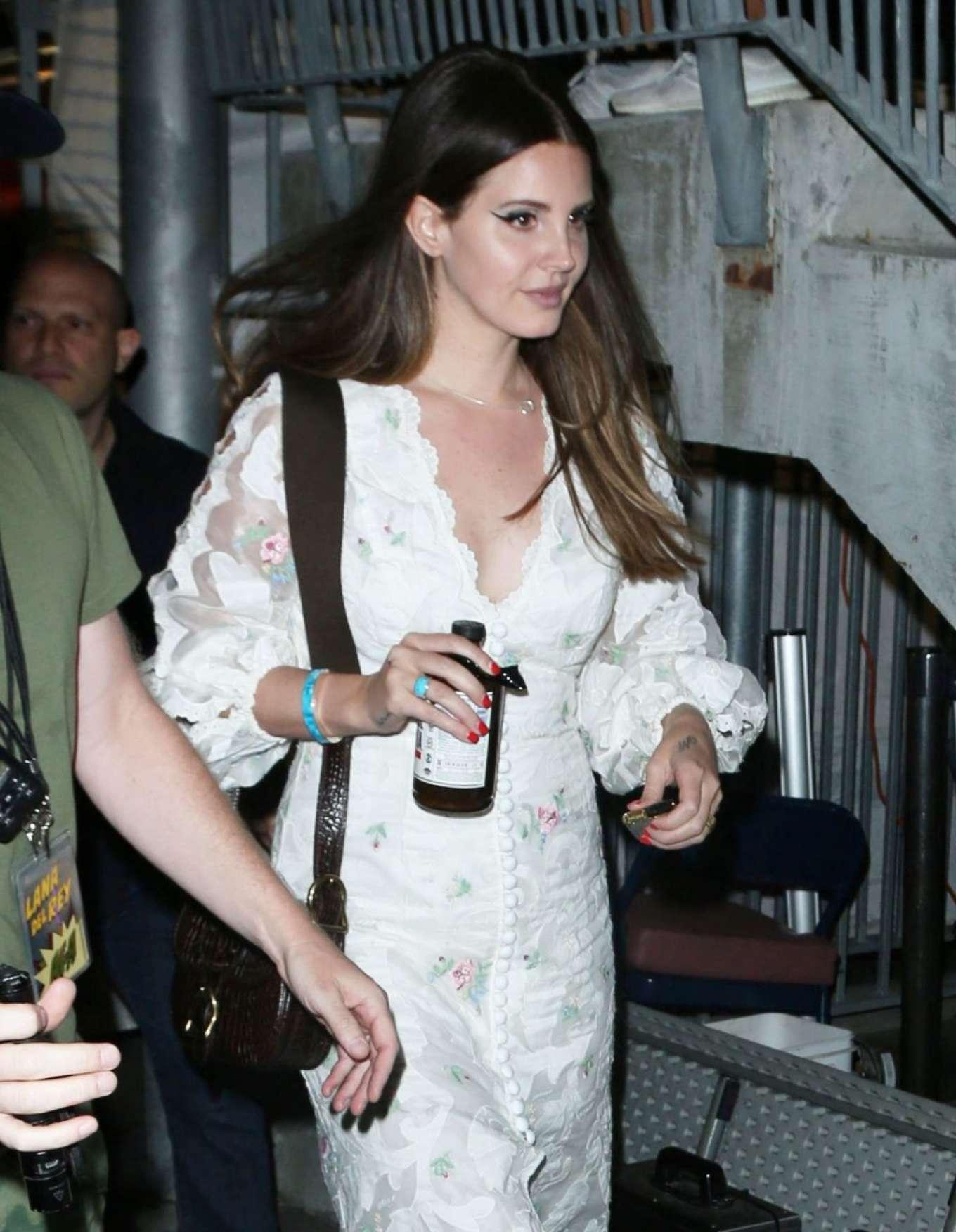Lana Del Rey - Arrives at Hollywood Bowl concert in LA