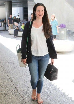 Lana Del Rey - Arrives at Los Angeles International Airport