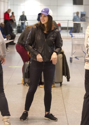 Lana Del Rey - Arriving to an airport in Montreal