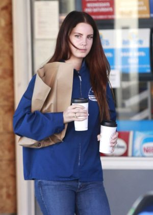 Lana Del Rey at a Gas Station in Beverly Hills