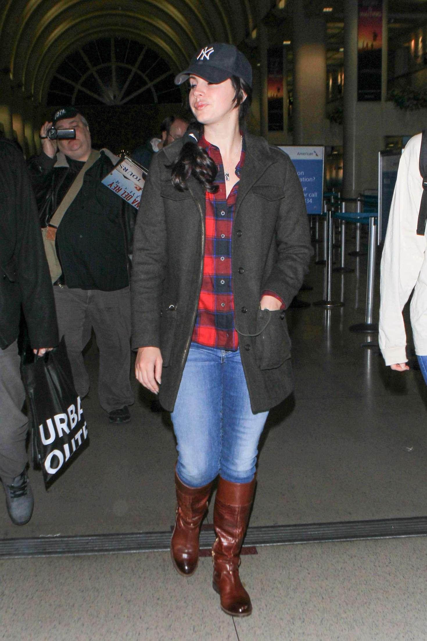Lana Del Rey at Los Angeles International Airport