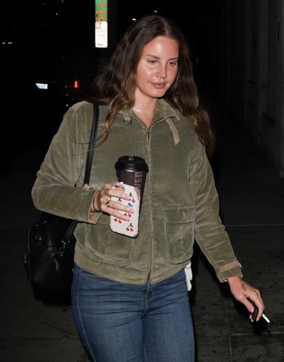 Lana Del Rey attends church services in Los Angeles