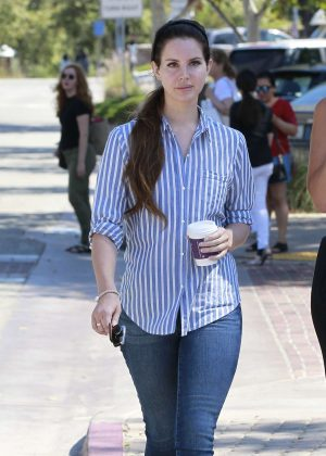 Lana Del Rey in Jeans at Coffee Bean in LA
