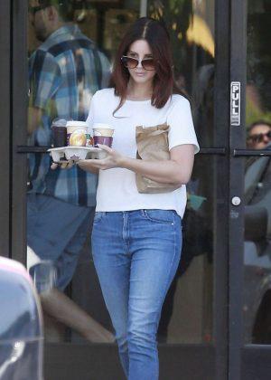 Lana Del Rey in Jeans at Western Bagel in Los Angeles