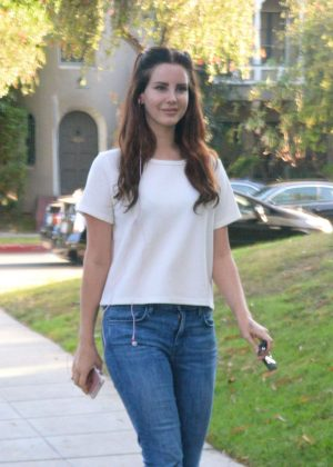 Lana Del Rey in Jeans Leaves lunch in West Hollywood