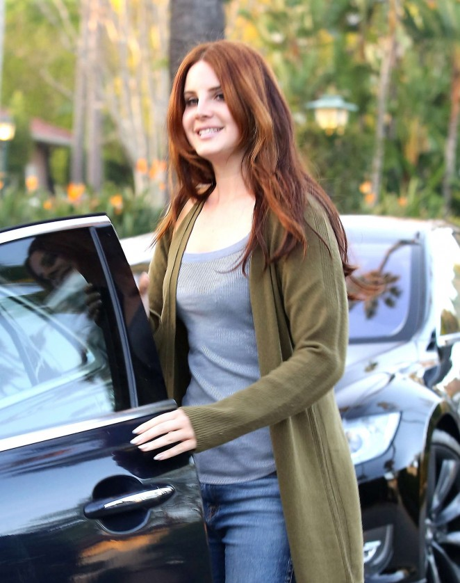 Lana Del Rey in Jeans Out in Beverly Hills