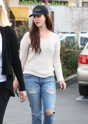 Lana Del Rey in Ripped Jeans Out in West Hollywood