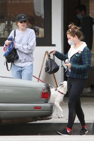 Lana Del Rey - Out with her sister Caroline Grant to run errands through Los Angeles