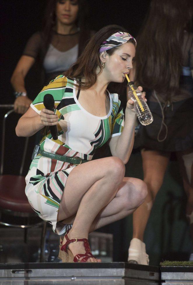 Lana Del Rey - Performs at Radio 1's Big Weekend in Hull