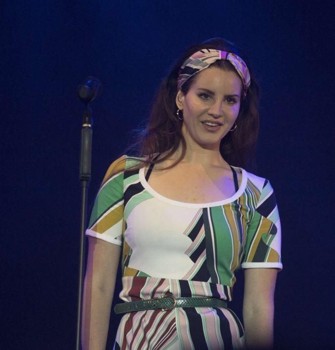 Lana Del Rey 2017 : Lana Del Rey: Performs at Radio 1s Big Weekend -12