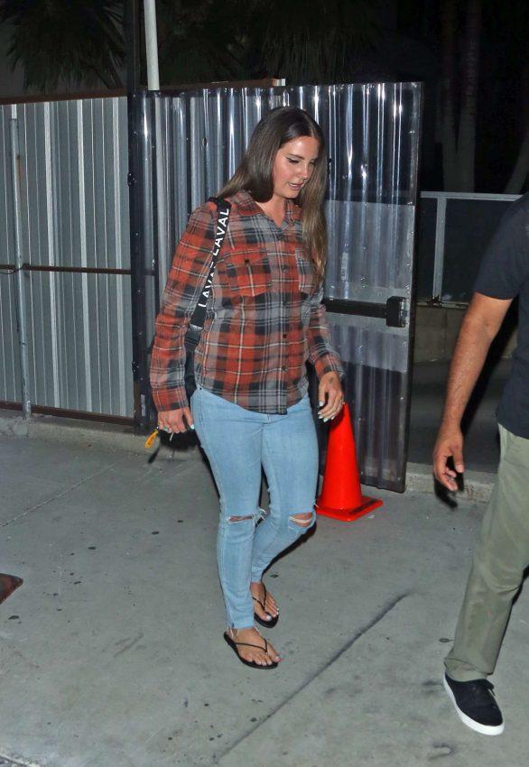 Lana Del Rey 2019 : Lana Del Rey seen leaving church service tonight in Beverly Hills-01