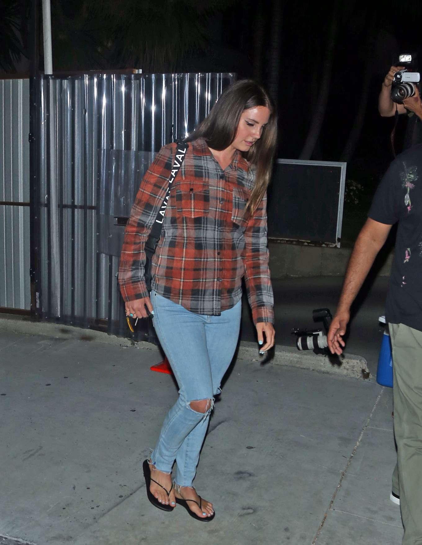 Lana Del Rey 2019 : Lana Del Rey seen leaving church service tonight in Beverly Hills-02