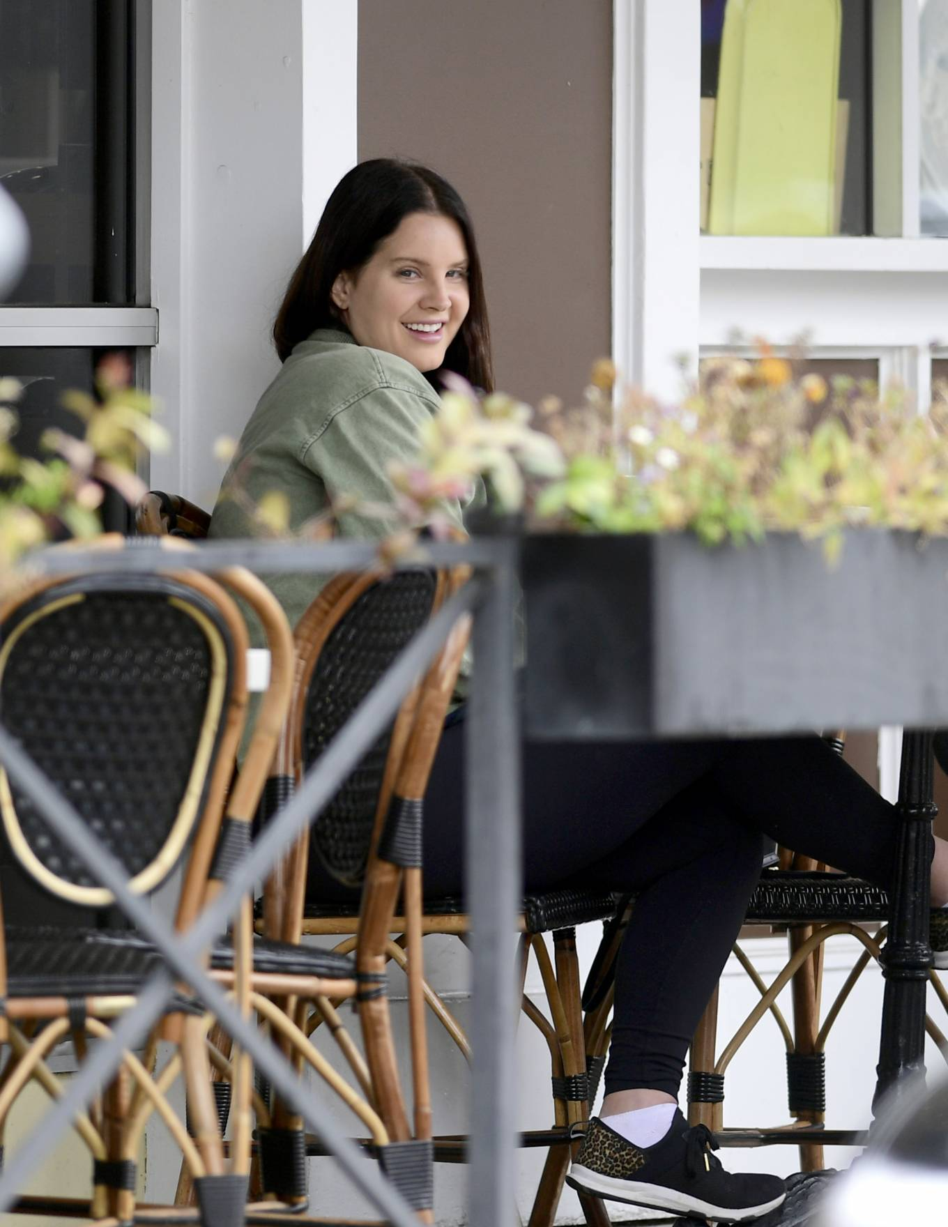 Lana Del Rey 2021 : Lana Del Rey – Seen with her mother in Los Angeles-09