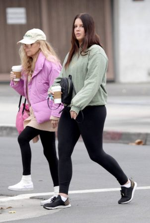 Lana Del Rey - Seen with her mother in Los Angeles